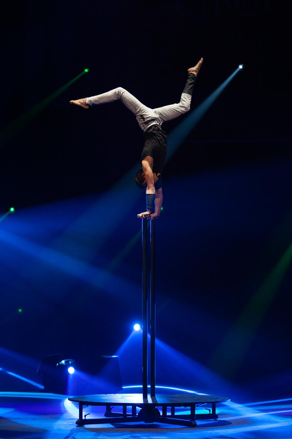 Festival Cirque Arobatie poirier dans les airs Evènement Photo Tom Atome