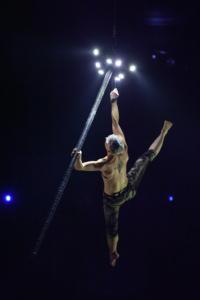 Festival Cirque Arobatie Poutre dans les airs Evènement Photo Tom Atome