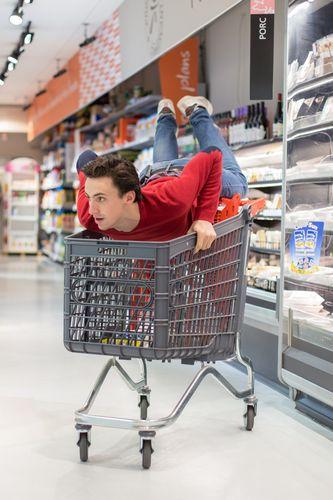 Photo de plateau - Web série - Supermarché - Les colocs